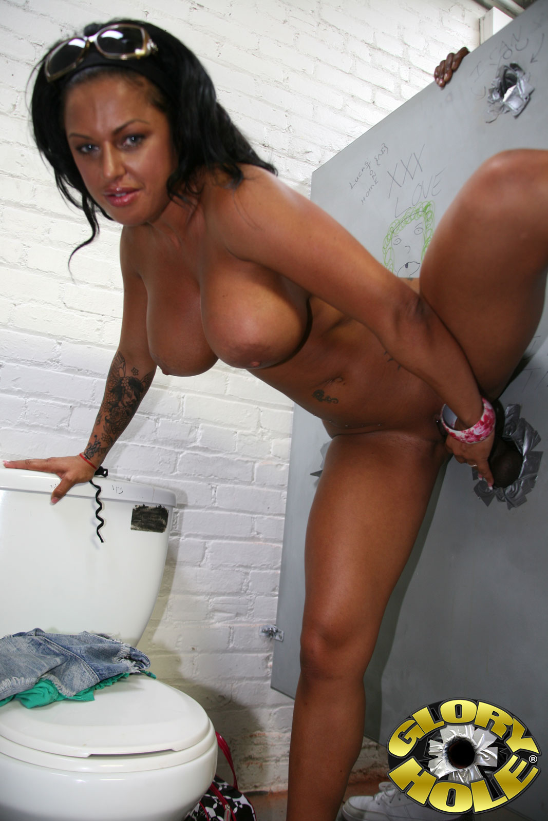 galleries gloryhole content kerry louise pic 26