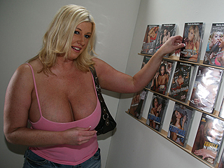 Zoey Andrews Blacks On Cougars Pics